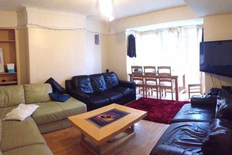 6 bedroom terraced house to rent - ESTCOURT AVENUE, LEEDS, HYDE PARK, WEST YORKSHIRE