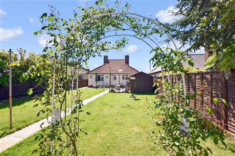 2 bedroom detached bungalow for sale - Church Lane, New Romney, Kent