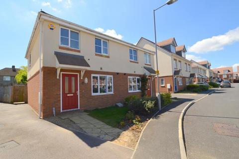 3 bedroom semi-detached house for sale - Verde Close, Round Green, Luton, Bedfordshire, LU2 7FL