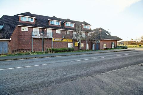 2 bedroom apartment to rent - Paul Close , Hammondstreet Road , West Cheshunt