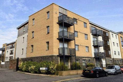 1 bedroom flat to rent - Talavera Close, Bristol