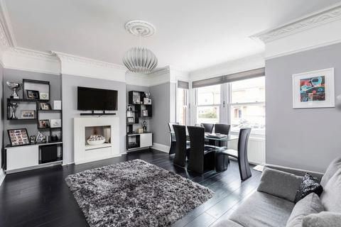 2 bedroom property for sale - The Avenue, Bickley, Bromley