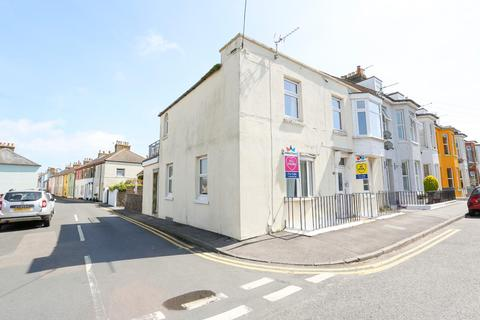 2 bedroom flat for sale - 18 Canada Road, Walmer, Deal