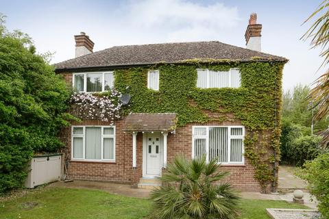 3 bedroom detached house for sale - Reach Road, St. Margarets-At-Cliffe, Dover