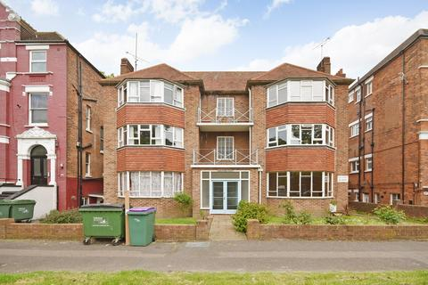 2 bedroom ground floor flat for sale - Earls Avenue, FOLKESTONE, CT20