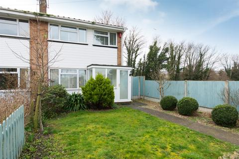 3 bedroom semi-detached house to rent - Westgate-On-Sea