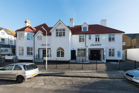 3 bedroom flat to rent - Westgate-On-Sea
