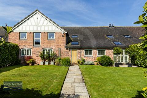4 bedroom barn conversion for sale - Wrenbury, Cheshire