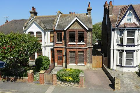5 bedroom semi-detached house for sale - Lloyd Road, Broadstairs