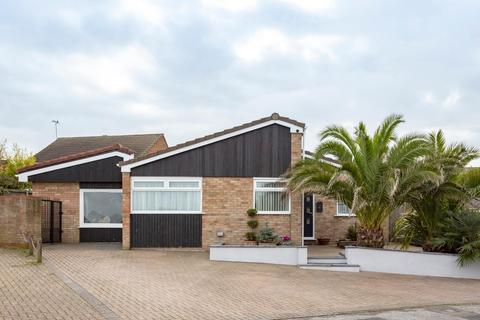 4 bedroom detached bungalow for sale - Sandhurst Road, Cliftonville, Margate