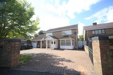 5 bedroom detached house for sale - Kendrick Road, Slough