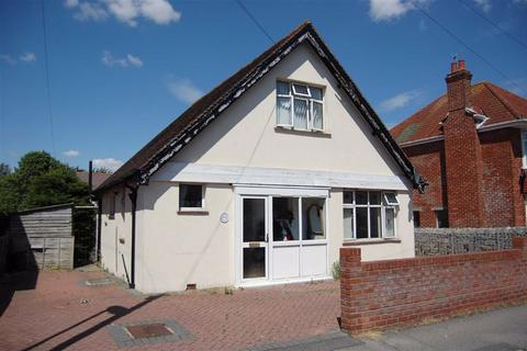 3 bedroom detached bungalow for sale - Highland Road, Weymouth, Dorset