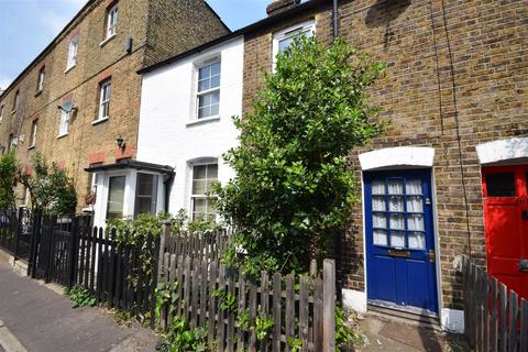 2 bedroom terraced house for sale - Holly Road, Twickenham