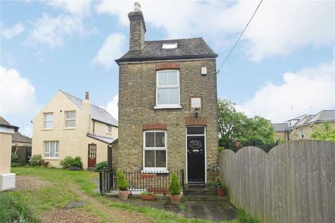 3 bedroom detached house to rent - Ashburnham Road, Ramsgate