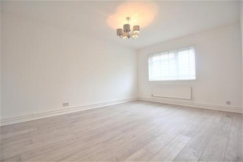 3 bedroom apartment for sale - Cranborne Close, Potters Bar