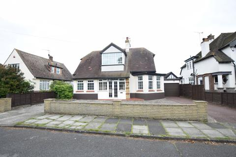 3 bedroom detached house for sale - Lancaster Gardens East, Clacton-on-Sea
