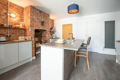 3 bedroom semi-detached house for sale - Bouncers Lane, Prestbury, Cheltenham GL52 5JF