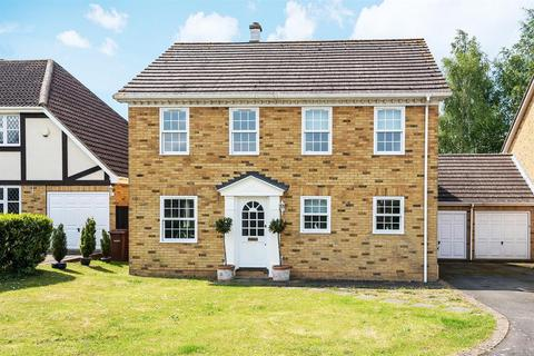 4 bedroom detached house for sale - Claridge Court, Hempstead, Gillingham,