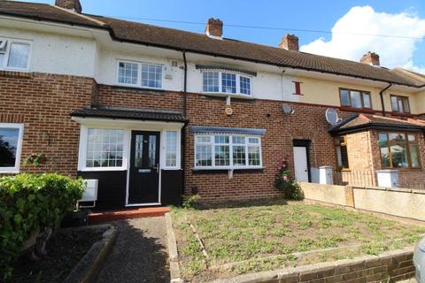 3 bedroom terraced house to rent - Byron Way, Harold Hill, Romford, Essex, RM3 7PS
