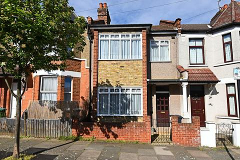3 bedroom terraced house for sale - Forfar Road, London, N22