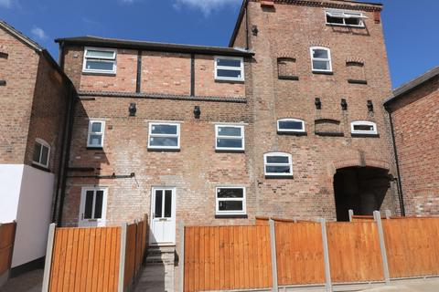 3 bedroom townhouse to rent - Old Brewery Court, Melton Mowbray