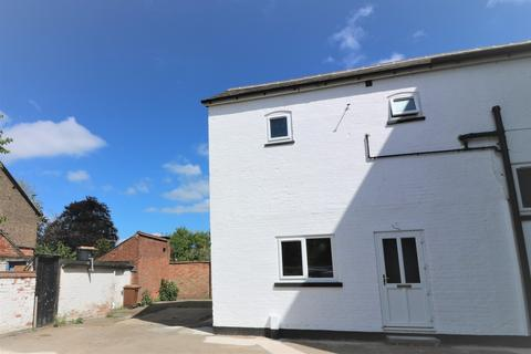 2 bedroom townhouse to rent - Old Brewery Court, Thorpe End