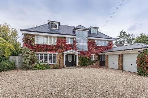 6 bedroom detached house to rent - Orchehill Avenue, Gerrards Cross, SL9