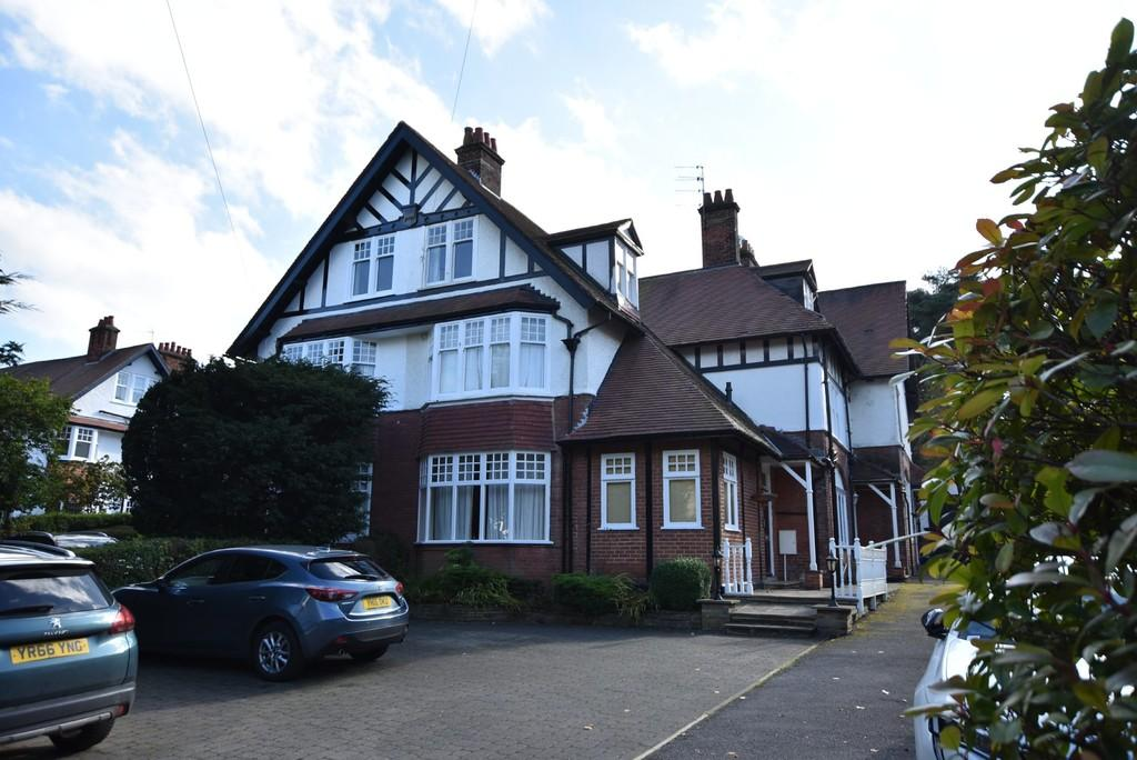 Cornwall Road, Harrogate, HG1 2NB 3 bed apartment for sale ...