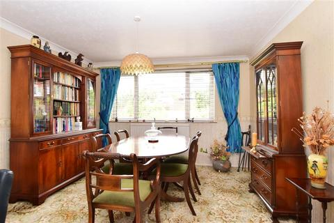 3 bedroom semi-detached house for sale - Merston Close, Brighton, East Sussex