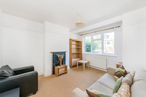1 bedroom ground floor flat to rent - Chesham Road, London, SW19