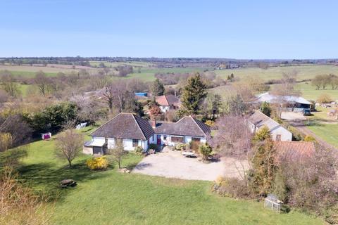 5 bedroom detached bungalow for sale - Penlan Hall Lane, Fordham, Colchester, Essex
