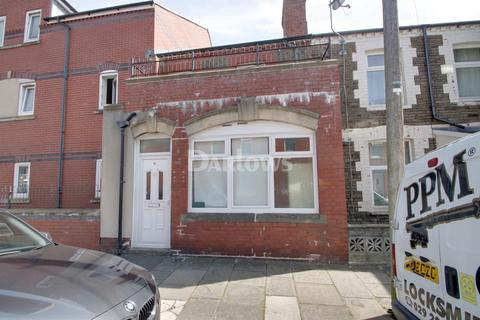 3 bedroom flat for sale - Gwennyth Street, Cathays, Cardiff