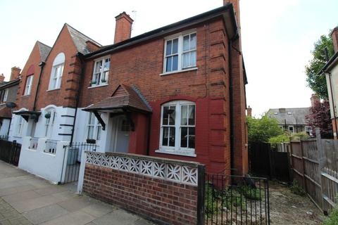 2 bedroom end of terrace house for sale - Derinton Road, Tooting, SW17