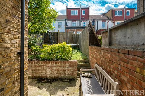 2 bedroom semi-detached house for sale - Gladesmore Road, London, N15