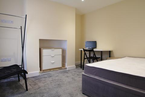 1 bedroom house share to rent - Worcester Parade, Gloucester,