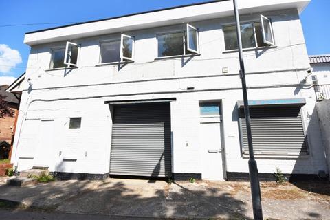 4 bedroom apartment to rent - HillCrest, Top Floor Apartment