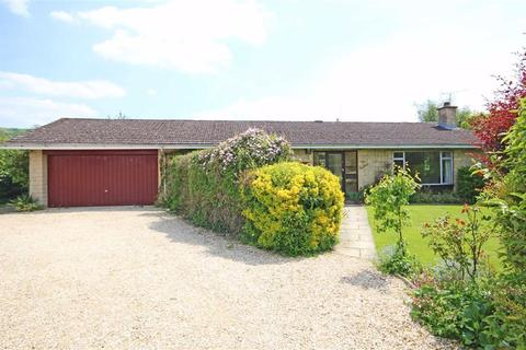 4 bedroom detached bungalow for sale - Hillside Close, Woodmancote, Cheltenham, GL52