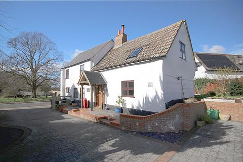 4 bedroom detached house to rent - High Street, Langford, SG18