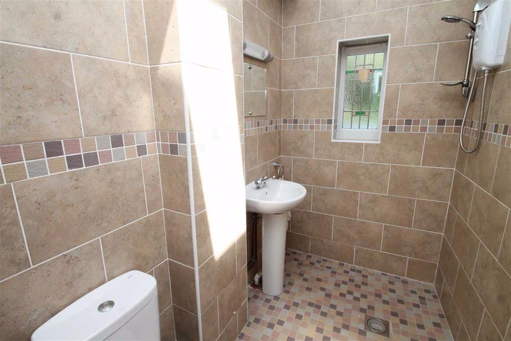 Part Tiled Wet Room