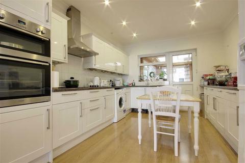 2 bedroom bungalow for sale - Park Avenue, Potters Bar, Hertfordshire