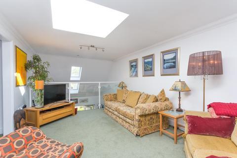 3 bedroom apartment for sale - Dumpton Park Drive, Broadstairs