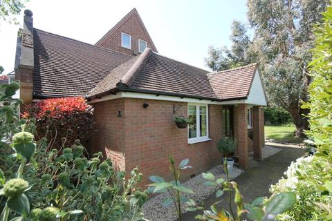 2 bedroom semi-detached bungalow for sale - Pool Meadow House, Pool Meadow Close