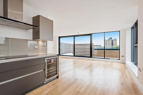 3 bedroom penthouse for sale - Alwen Court, Pages Walk, SE1