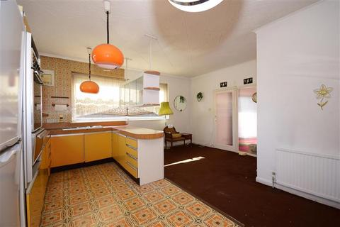 3 bedroom detached bungalow for sale - Manor Road, Chigwell, Essex