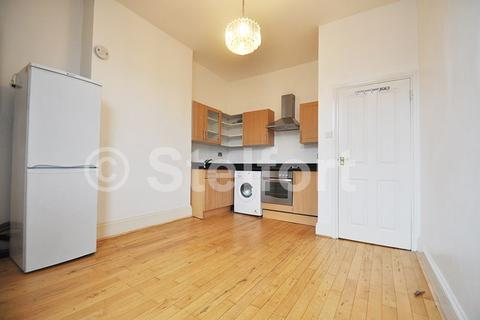 2 bedroom flat for sale - Archway Road, London, N6