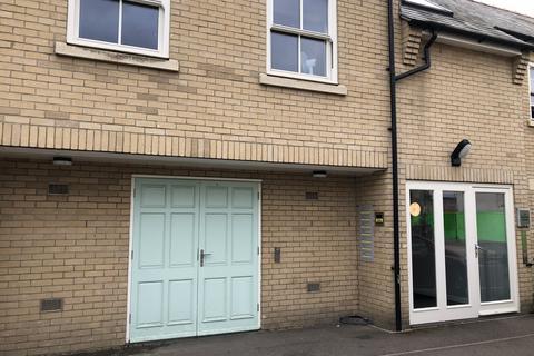 Studio to rent - Harvest House