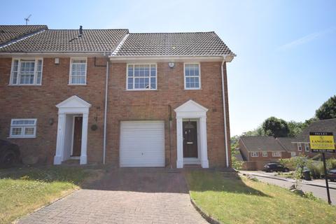 3 bedroom end of terrace house to rent - Thistlemead Chislehurst BR7