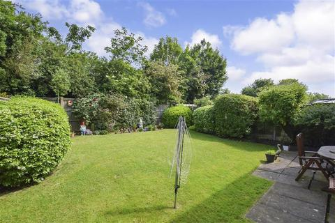 4 bedroom detached house for sale - Priestley Drive, Larkfield, Aylesford, Kent