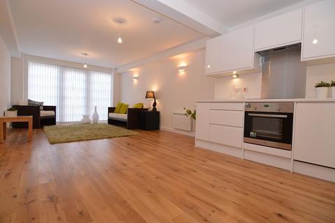 2 bedroom apartment to rent - Peach Street Wokingham