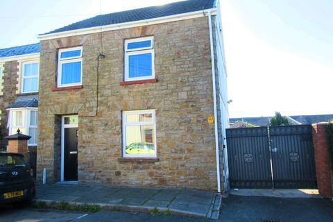 4 bedroom detached house for sale - Queen Street, Maesteg, Bridgend. CF34 9YN